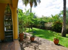 verandah to back